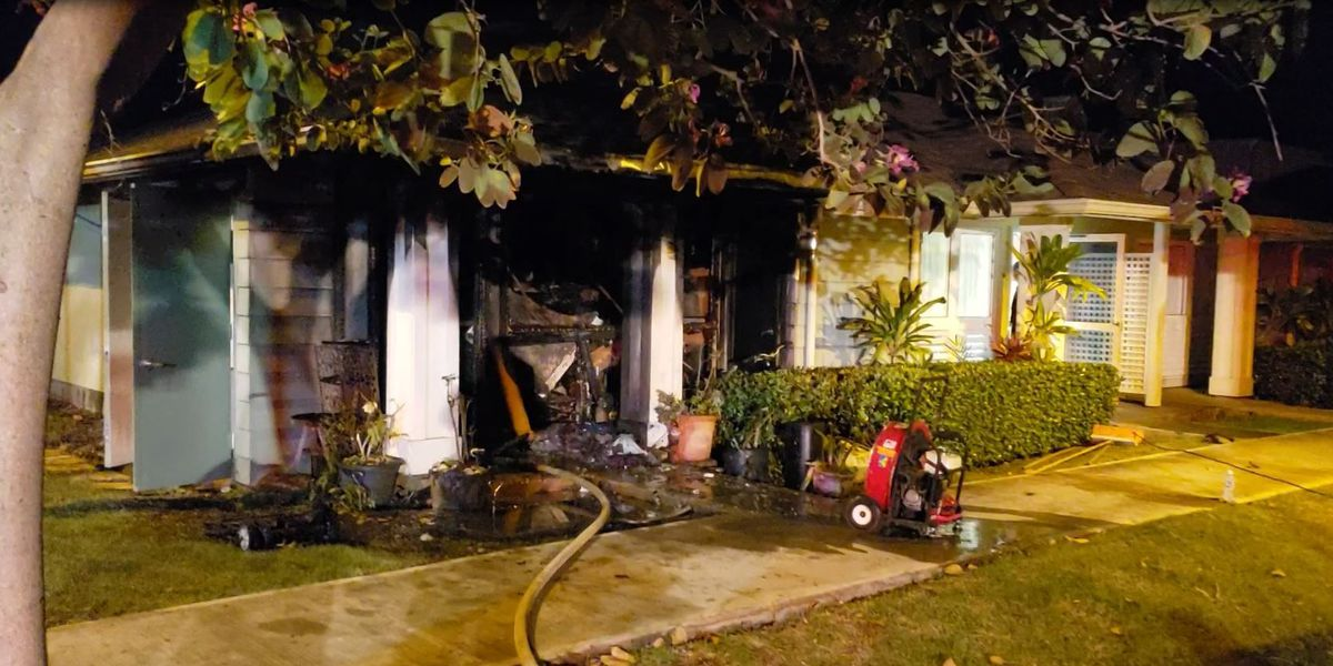 Early-morning fire rips through Kapolei townhouse