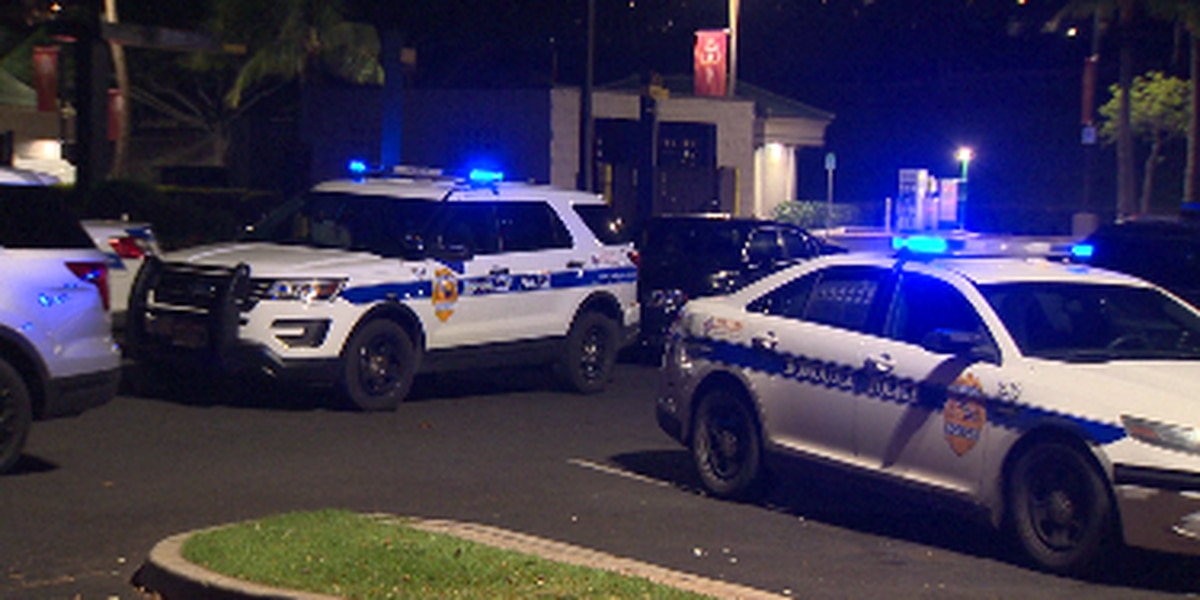 Gunman holds workers at gunpoint, ransacks safe at Kapolei fast food eatery