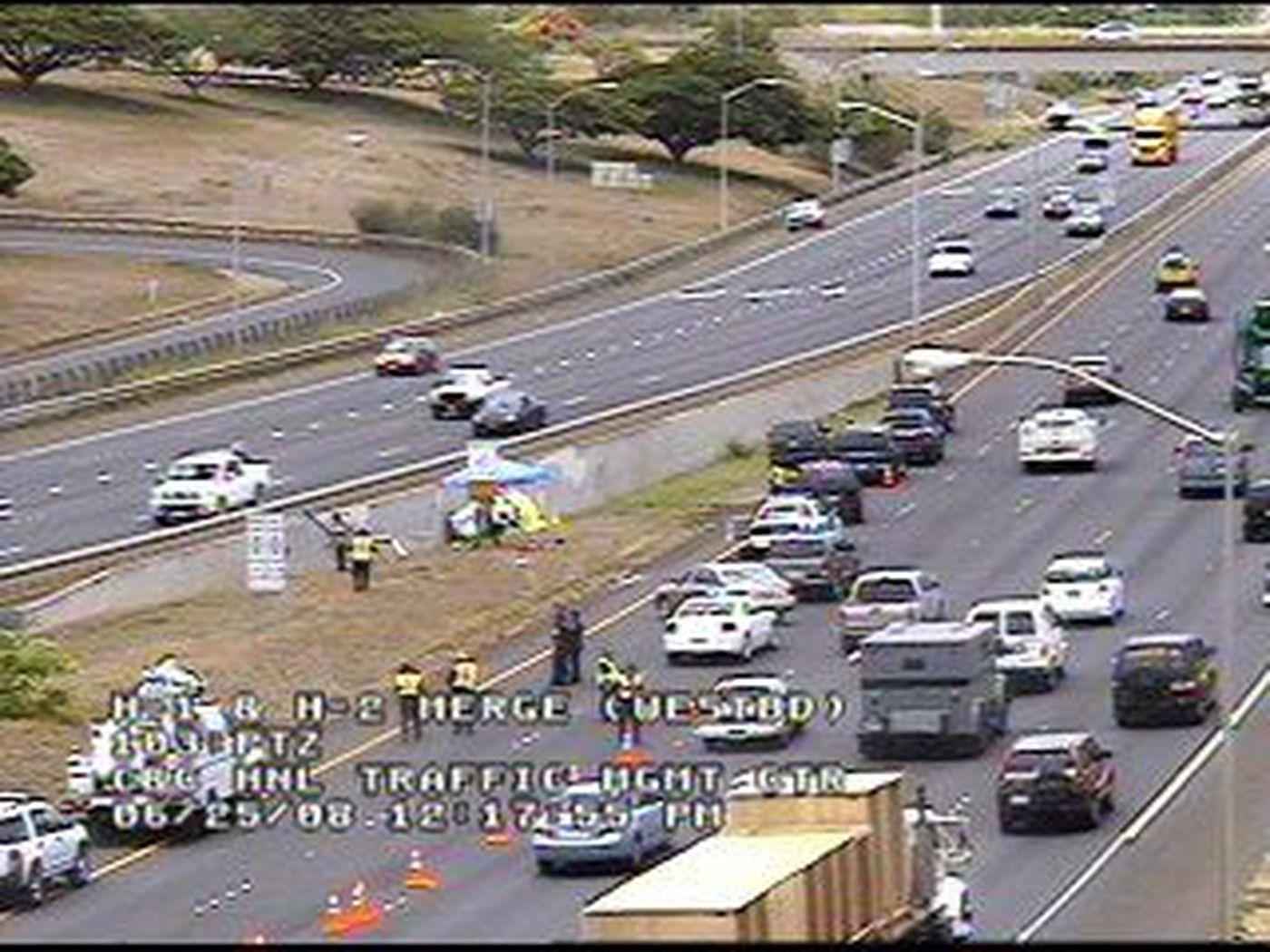 Man dies in car accident on H1 Freeway