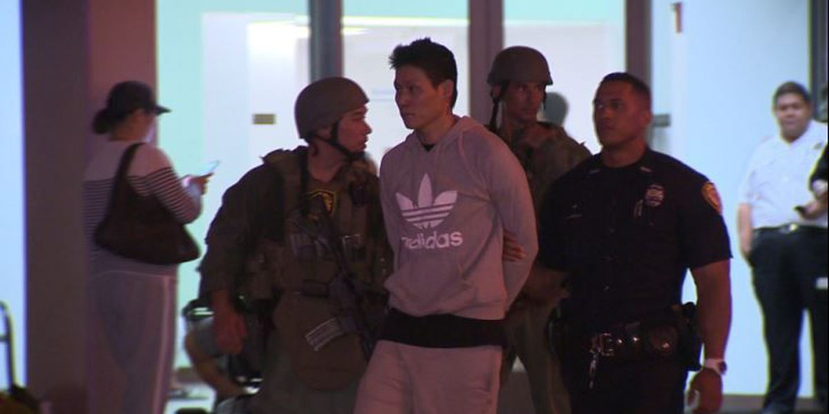 Suspect charged in Kakaako standoff pleads not guilty