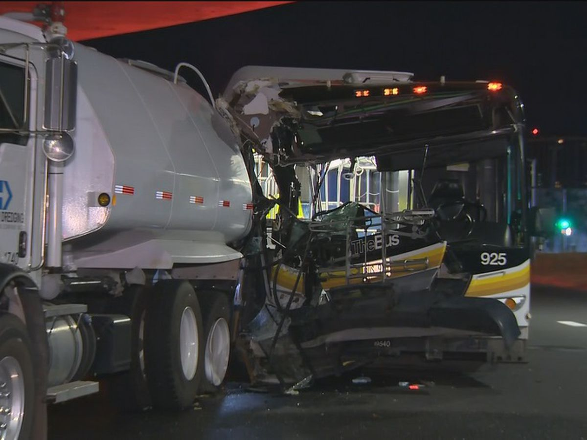 City bus slams into water tanker, leaving 10 passengers injured