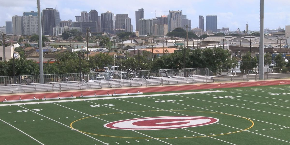 Prep football season begins with first-ever Farrington home game
