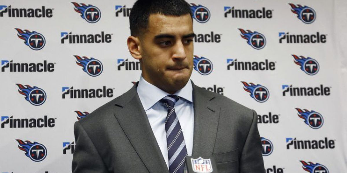 Mariota apologizes to reporters after being scolded by his mom