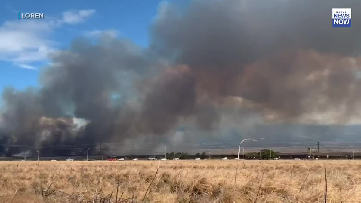 Firefighters battle fast-moving brush fire on Maui
