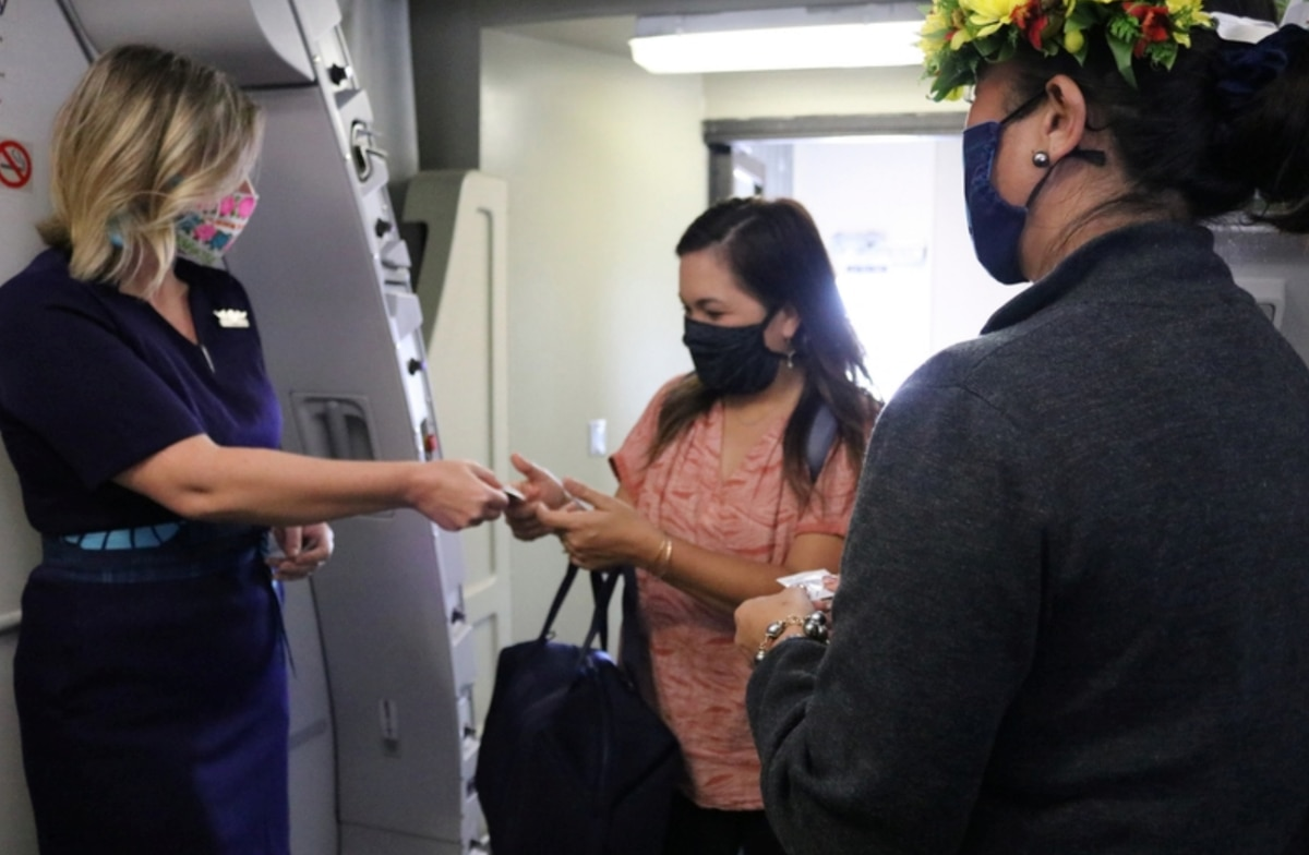 United makes face masks obligatory for all passengers