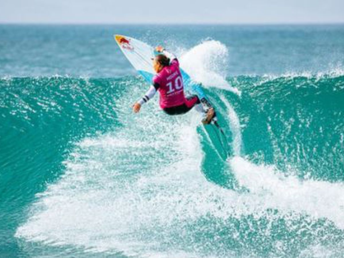 Moore wins Corona Open J-Bay, earns World No. 1 ranking