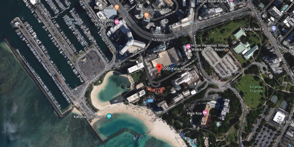 Man dies after being pulled from Waikiki waters