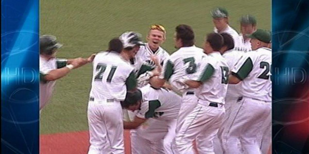 'Bows stun No. 10 Oregon St. with 9th inning comeback